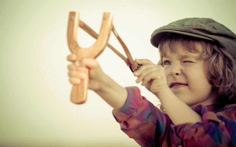 К чему приводит гиперопека над детьми
